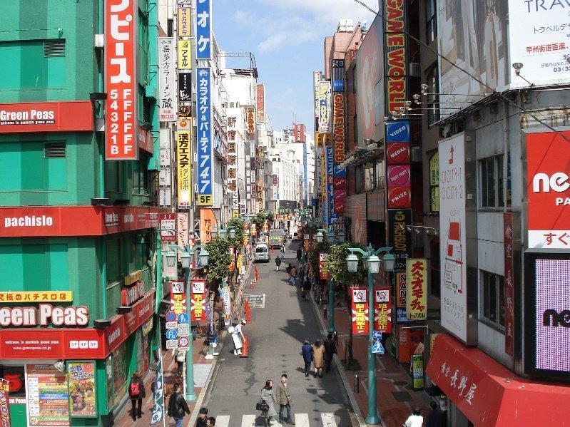 איך לגור בקופסת נעליים: שיעורים לחסכון במקום מדירת סטודנטים יפנית