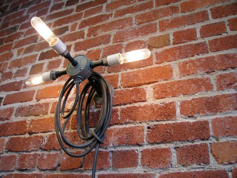 כבלים מעוצבים: איך לארגן ולעצב כבלים וחוטי חשמל בבית